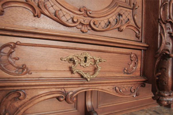 carved wood furniture details